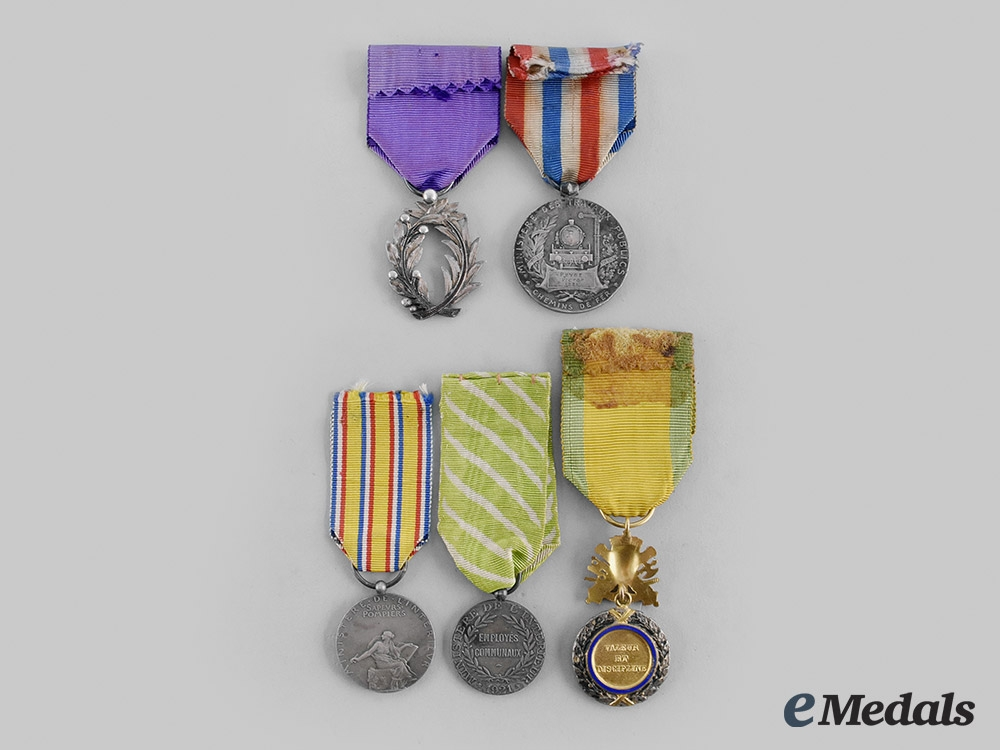 France, III & IV Republic. A Lot of Five Awards
