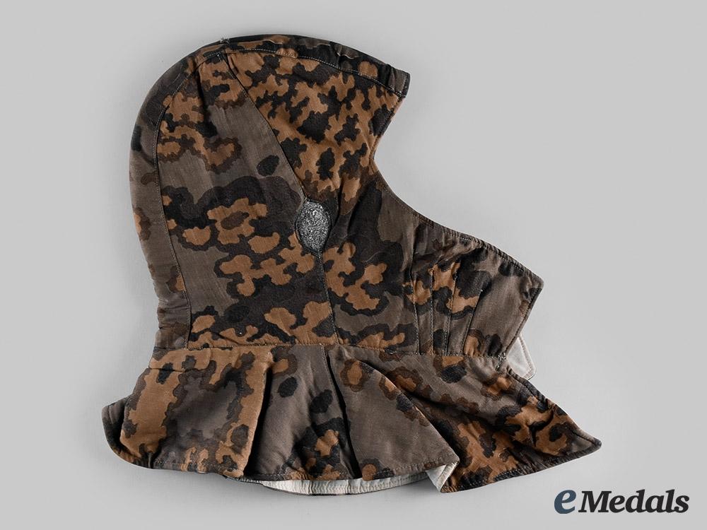 """Germany, SS. A Waffen-SS Reversible """"B"""" Pattern Oak Leaf Camouflage Hood"""