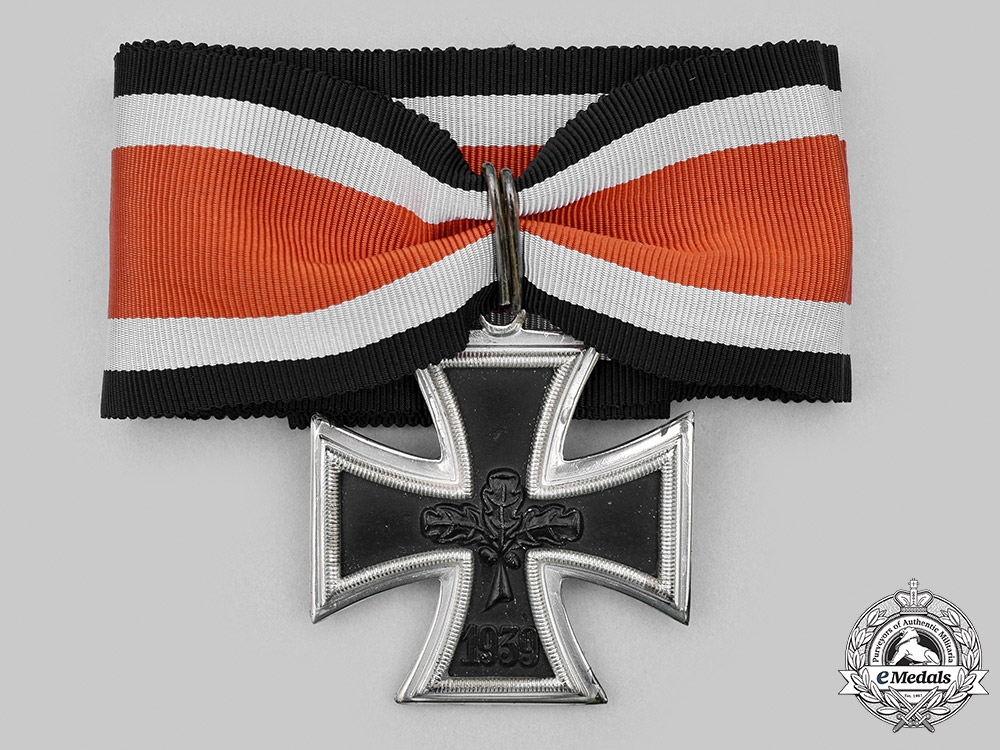 Germany, Federal Republic. A Knight's Cross of the Iron Cross, with Case, Early 1957 Version