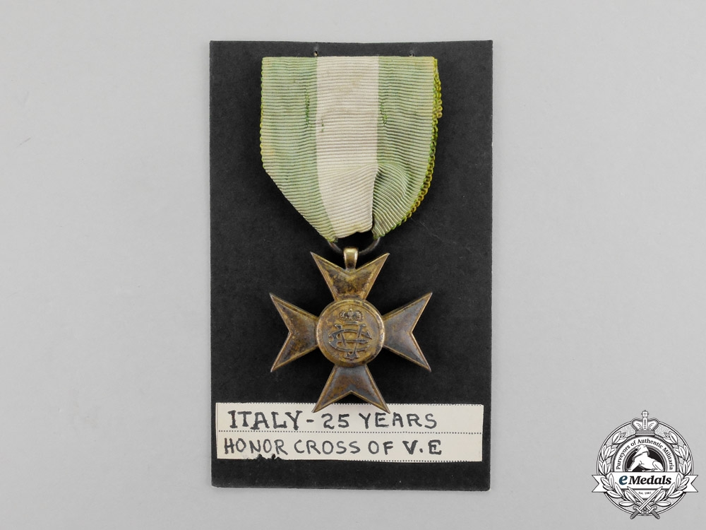 Italy. A Long Service Cross for Twenty-Five Years' Service, Gold Grade