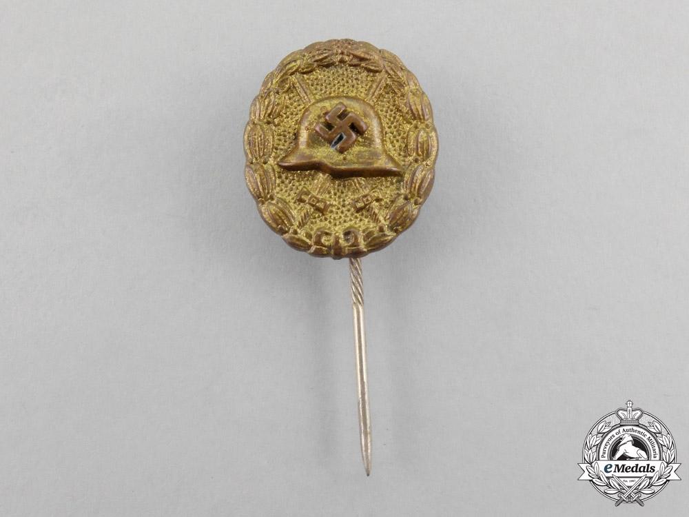 A Second War German Gold Grade Wound Badge Miniature Stick Pin