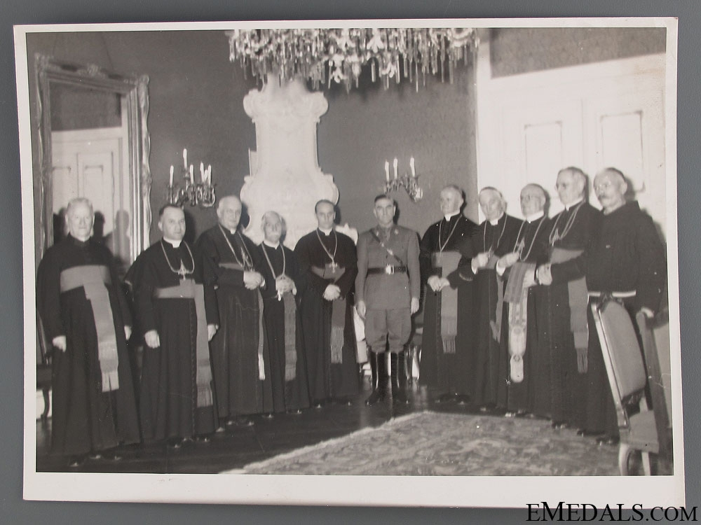 Official Press photo of A. Pavelic and Catholic Clergy
