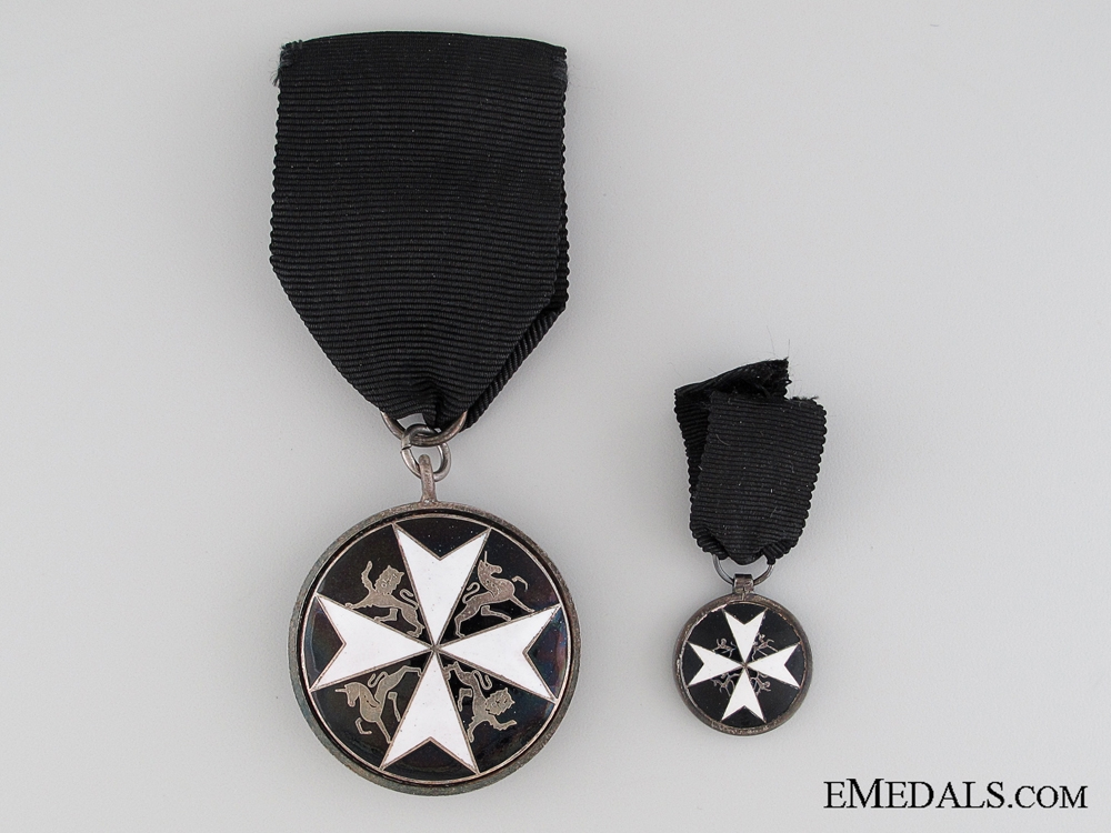Order of St. John, Serving Brother Breast Badge, Fullsize and Miniature