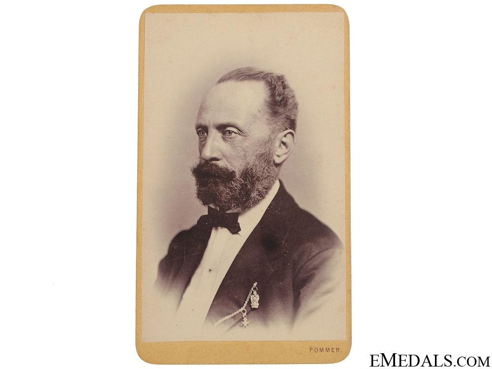 Original Cabinet Photo of Iron Crown Recipient