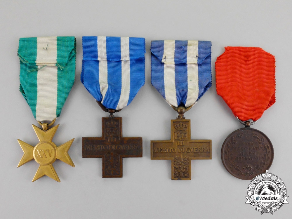 Italy four medals awards and decorations italy europe for Awards decoration