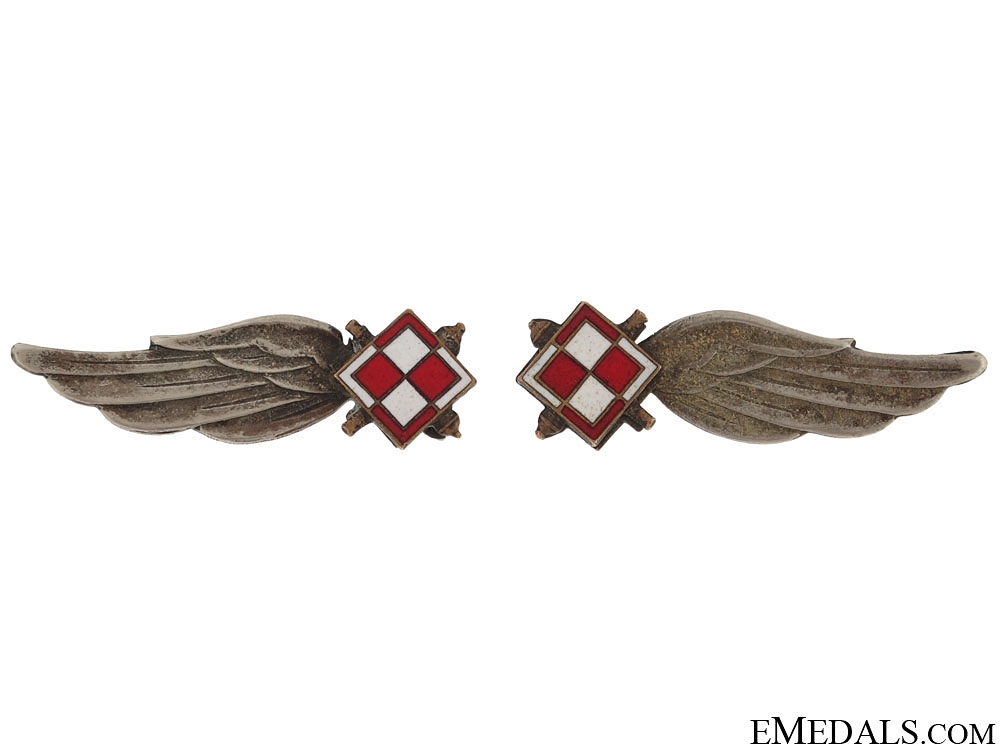 Pair of Polish RAF Collar Badges