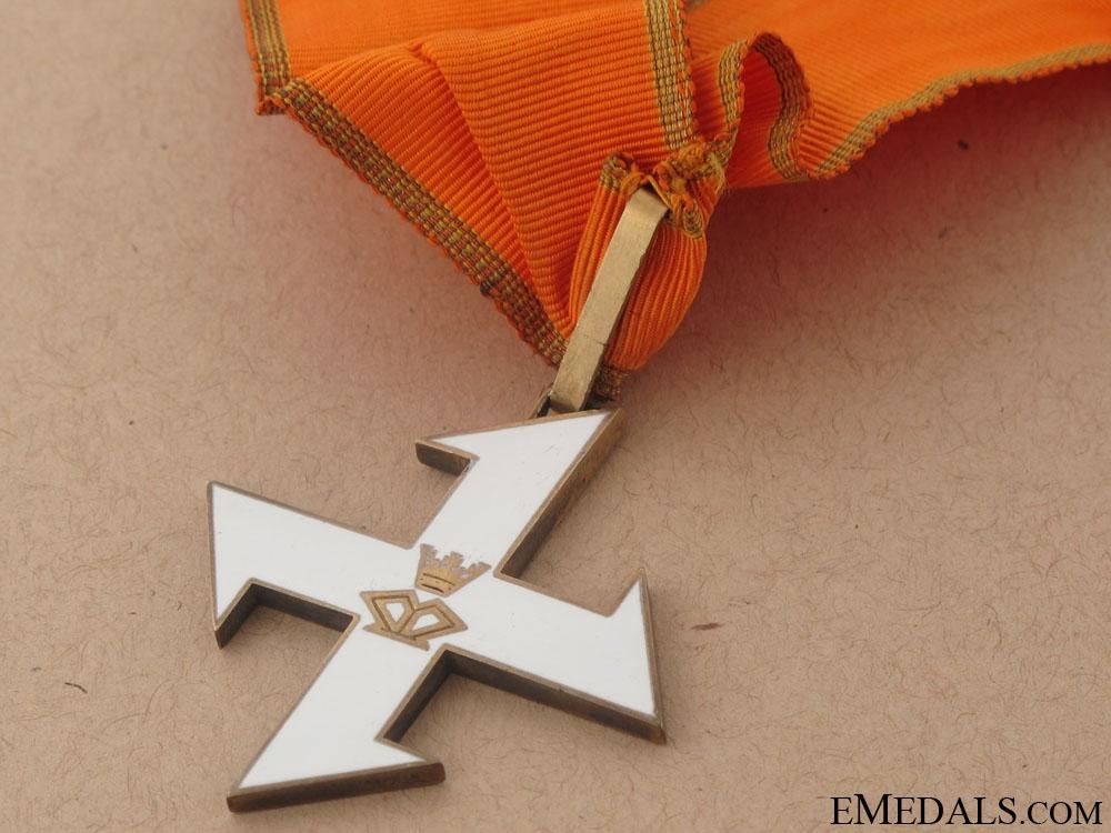 Queen marie Cross 1917