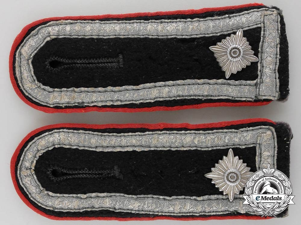 A Pair of SS Artillery Oberscharführer Shoulder Straps