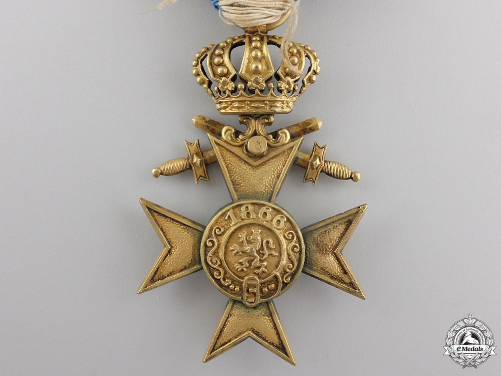 A BAVARIAN 1ST CLASS MILITARY MERIT CROSS WITH CROWN & SWORDS