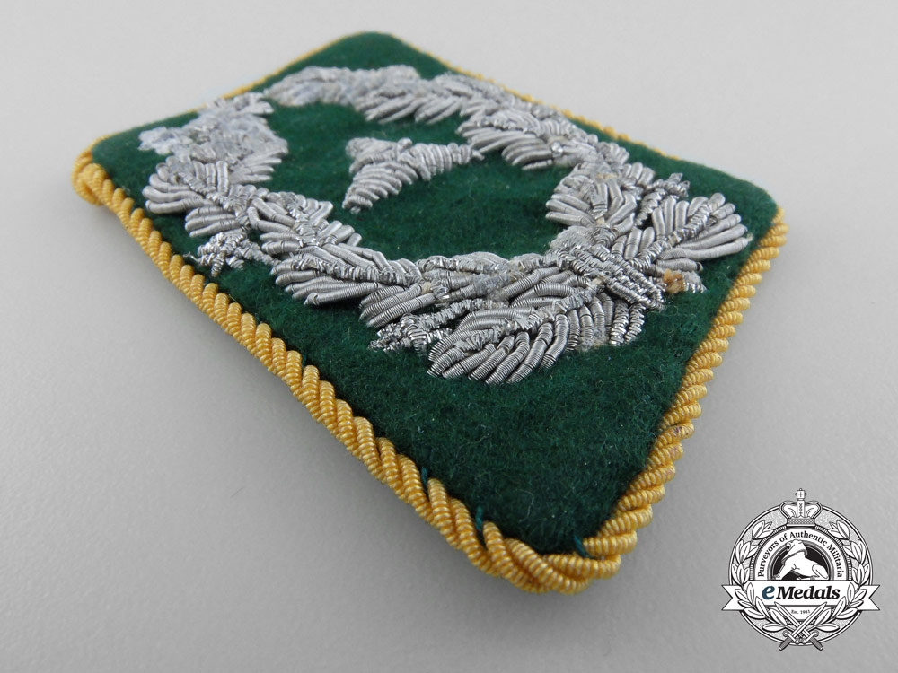 Collar Tab of Luftwaffe Administration Staff; Pay Level 2