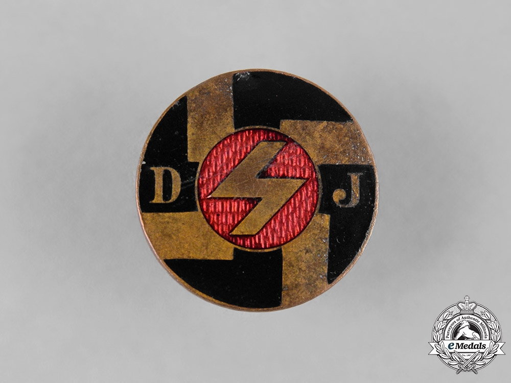 Germany, DJ. A German Youth (Deutsches Jungvolk) Membership Badge