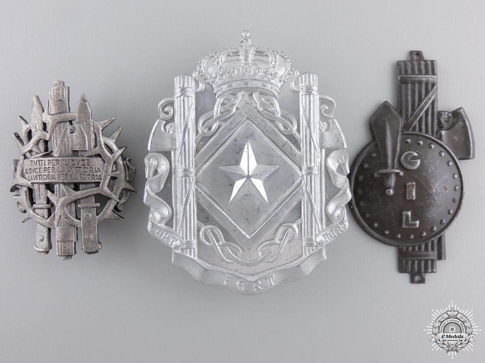 Three Second War Italian Badges