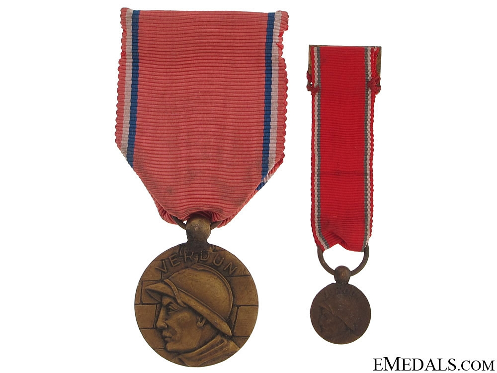 Verdun Medal, Type V, Fullsize and Miniature, 1916