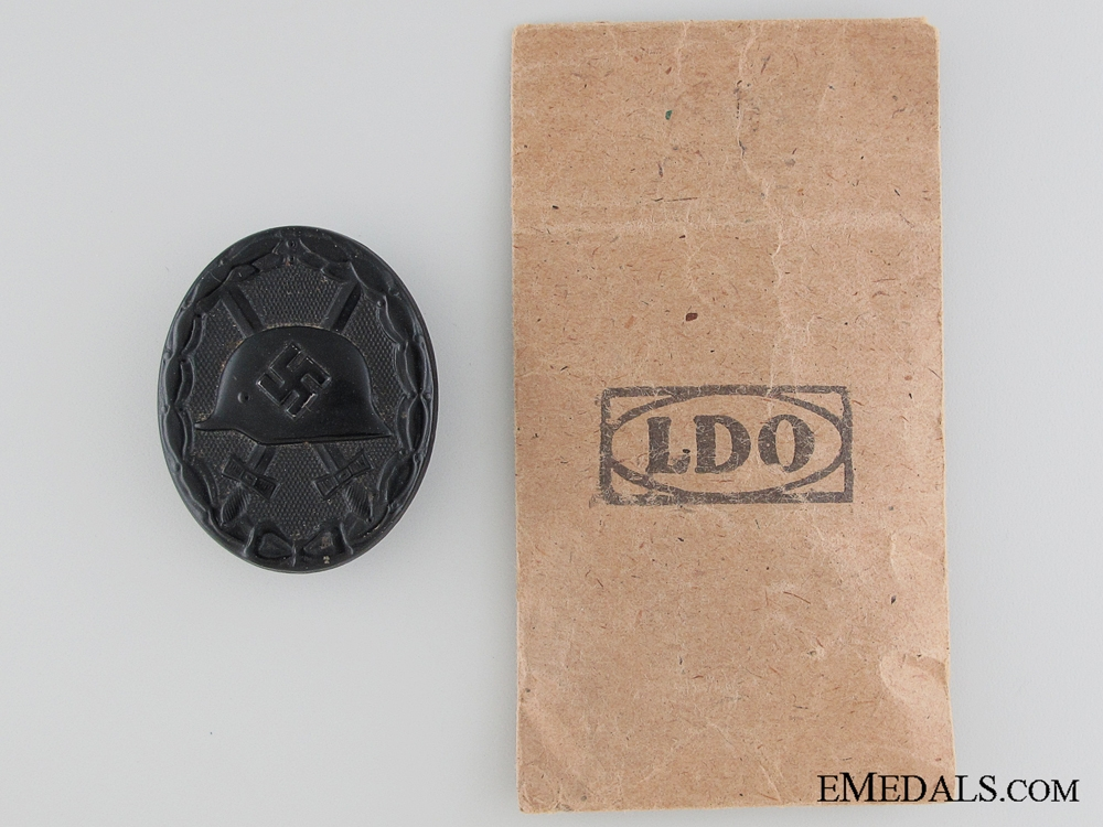 Wound Badge - Black Grade in Packet of Issue