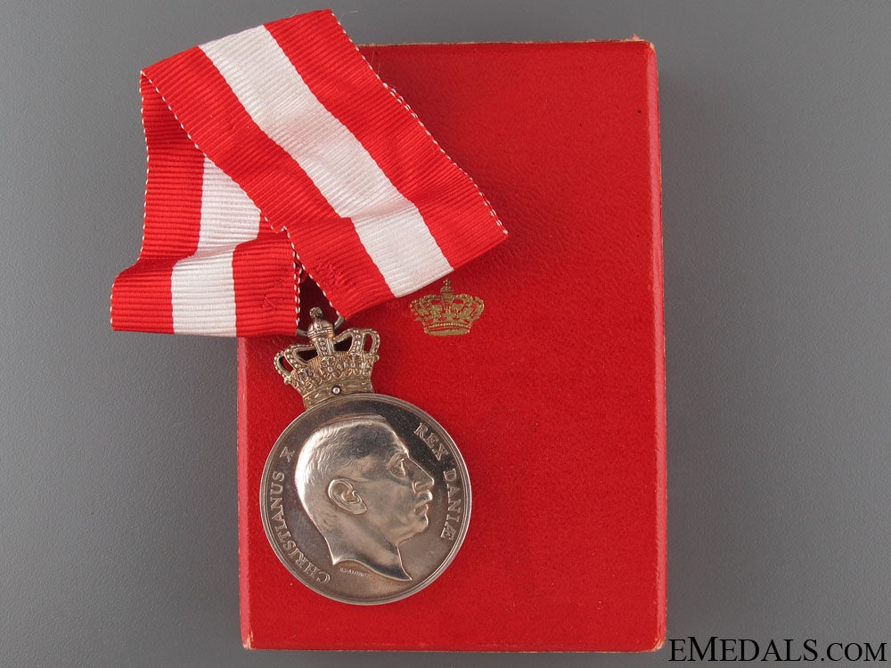 WWII Liberation Commemorative Medal 1940-45