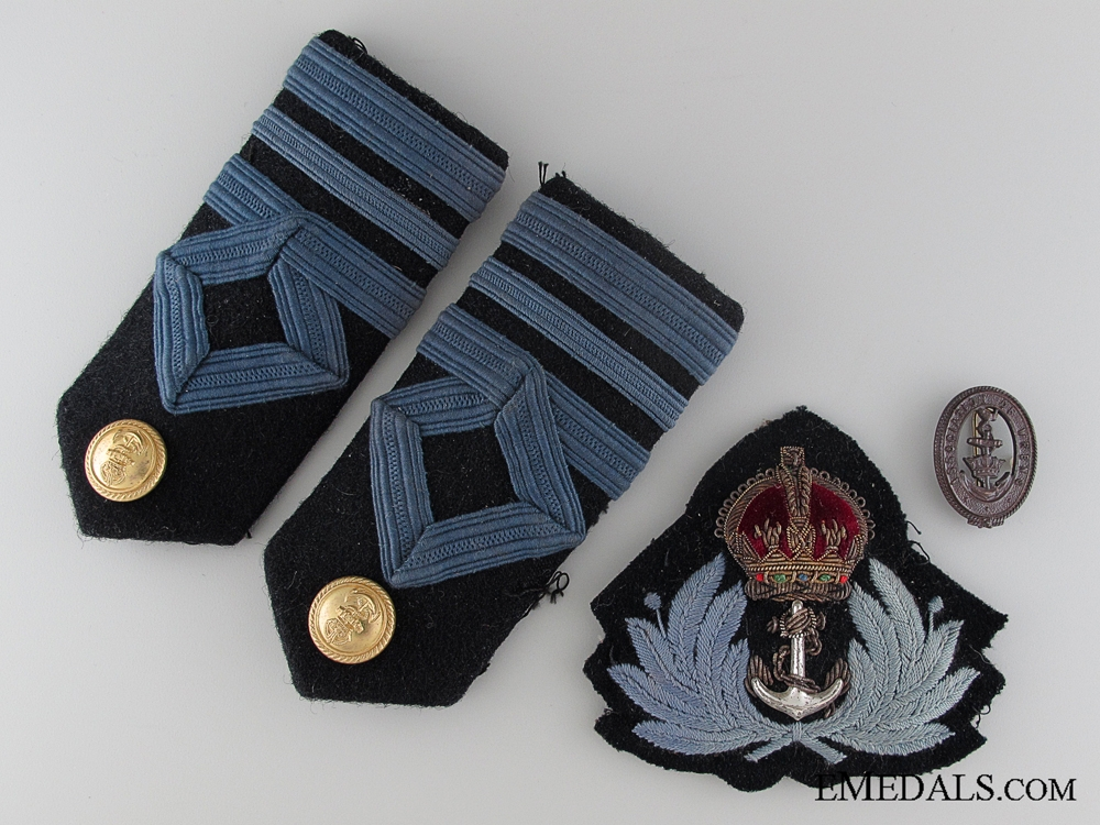 WWII Women's Royal Naval Wrens Officer's Insignia Set