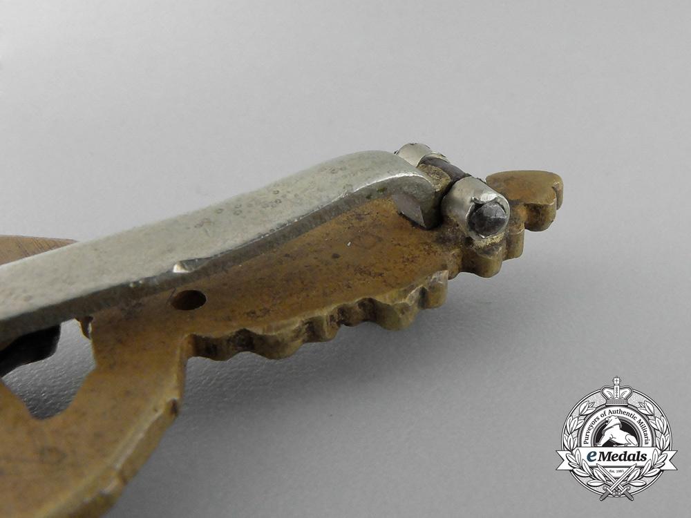 A Bronze Grade Luftwaffe Reconnaissance Clasp by C.E. Juncker