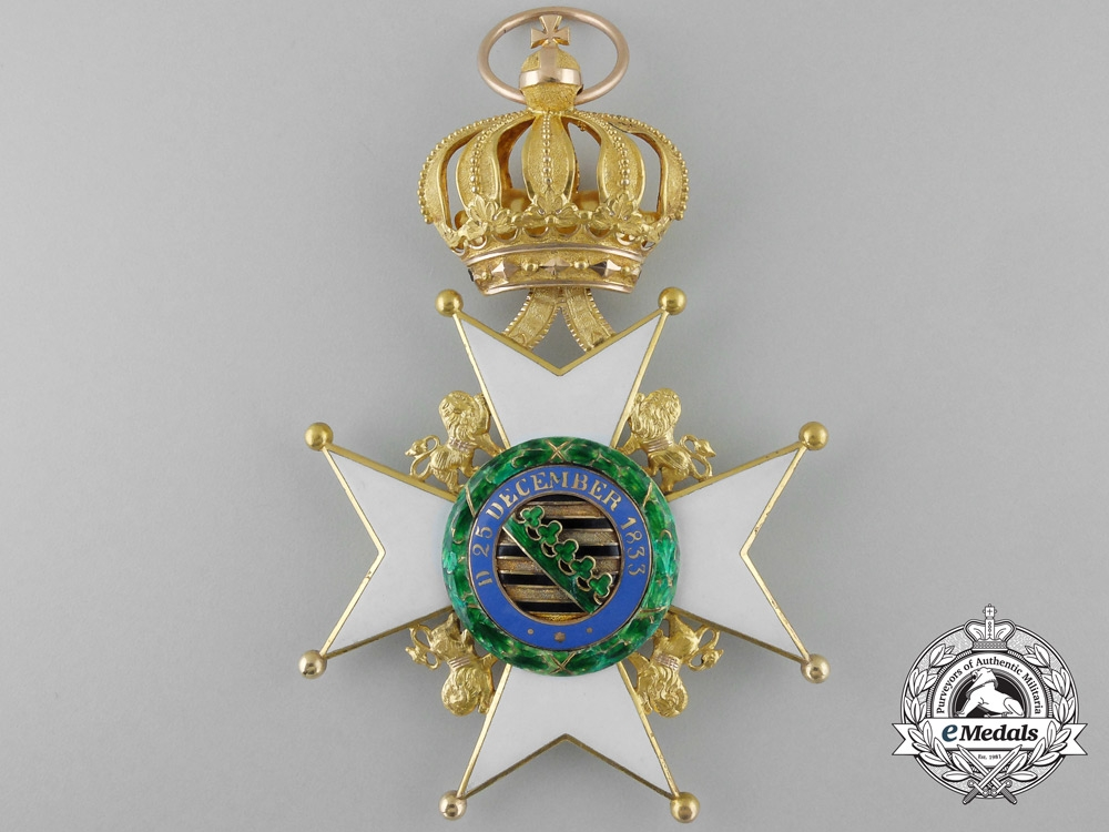 A Saxe-Ernestine House Order in Gold; Grand Cross Set of Insignia