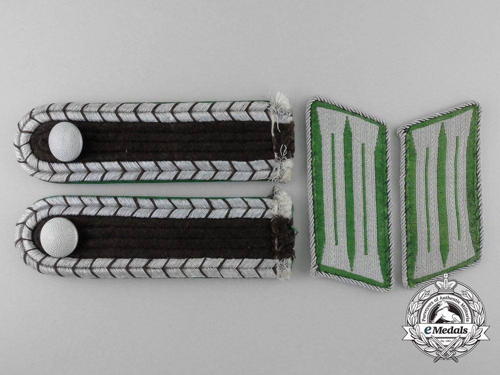 A Set of Schutzpolizei Shoulder Boards with Collar Tabs
