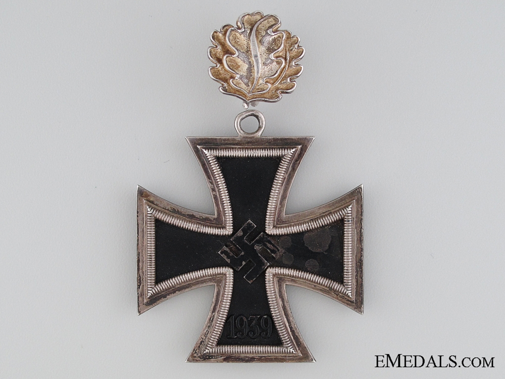 "A Knight""¢¯s Cross of The Iron Cross by S & L with Oakleaves"