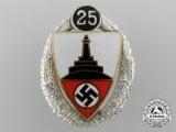 A 25 Year Service Veteran Association Badge