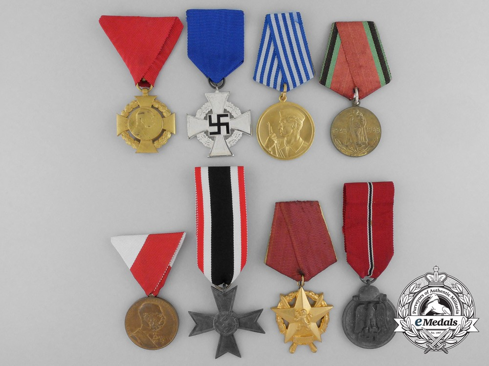 Eight european medals awards and decorations for Awards decoration