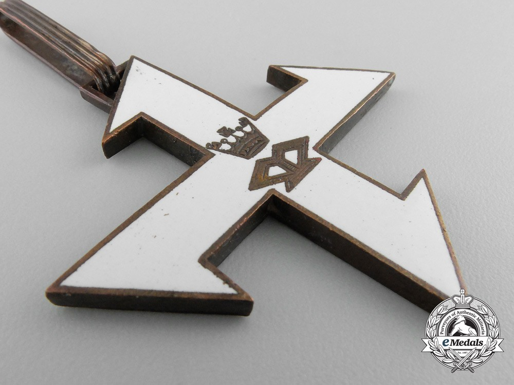 romanian cross