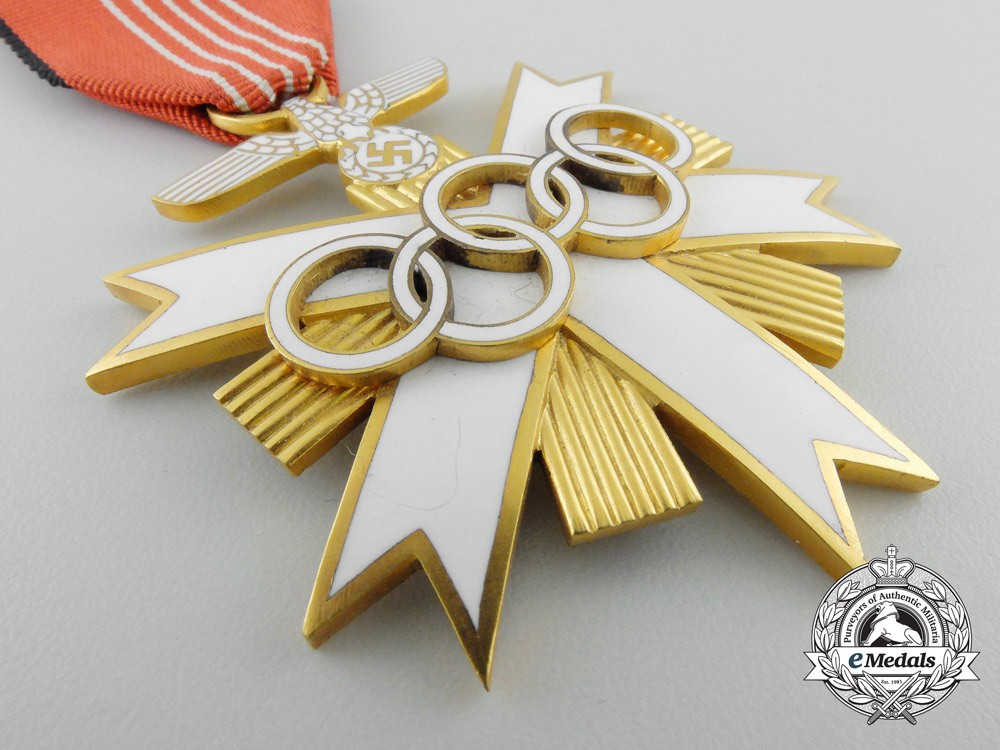A m nchen olympic games 1936 decoration 2nd class with for Award decoration
