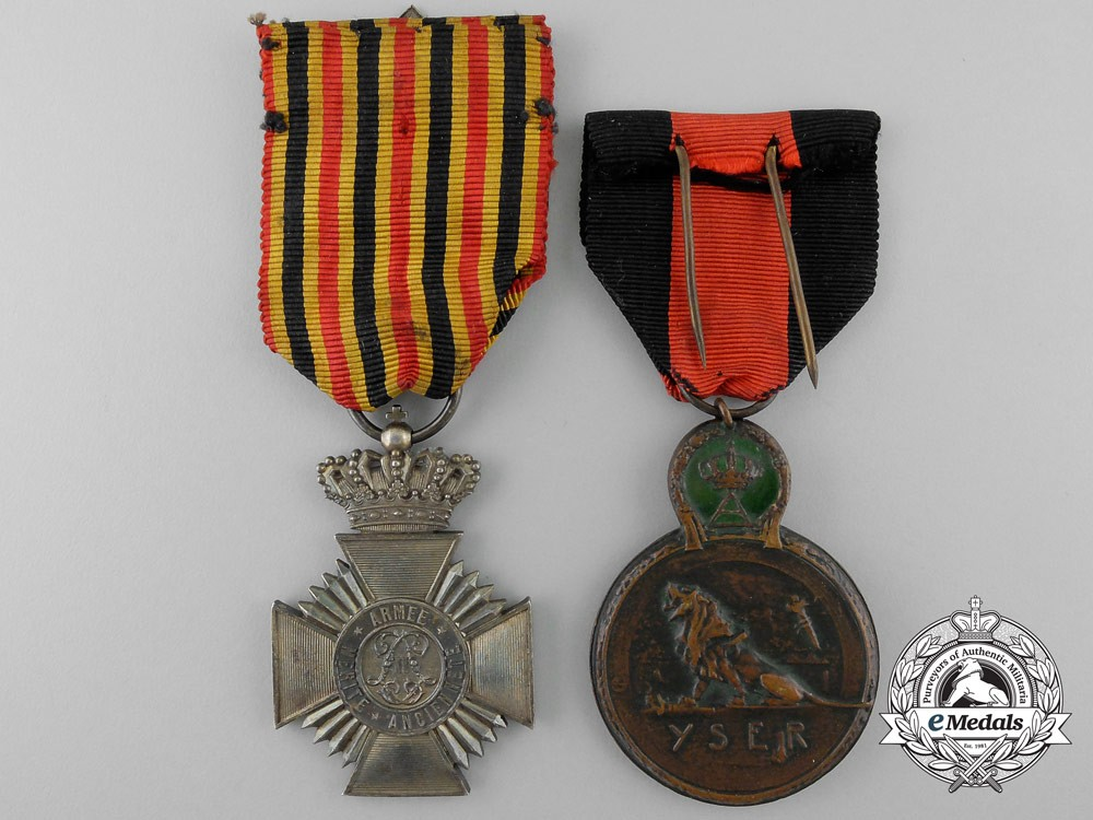 Two belgian medals and decorations for Awards and decoration